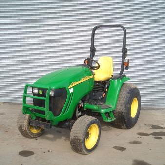 John Deere 3520 Compact Tractor rental